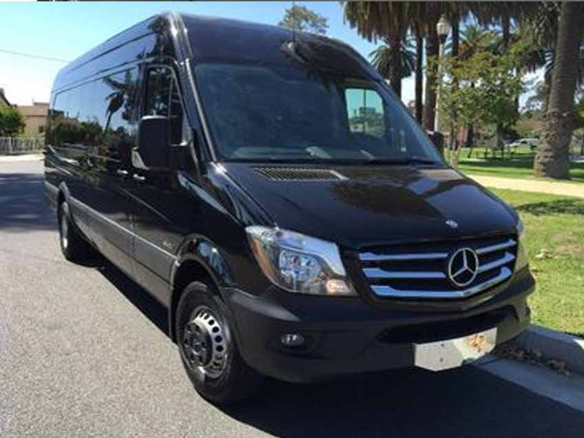 Black Tie XL Limousines | Buses Pro | Airport & Port Transportation | Charters, Transfers, Shuttle | Miami, West Palm Beach, Ft. Lauderdale, Hollywood, Key West, Orlando, Tampa - Fleet